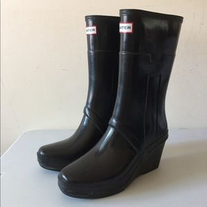 Black hunter wedge rain boots size 8
